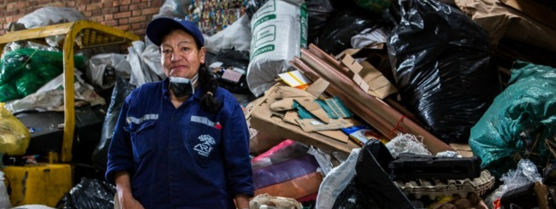 Jaun Arredondo photo of waste picker in Bogota