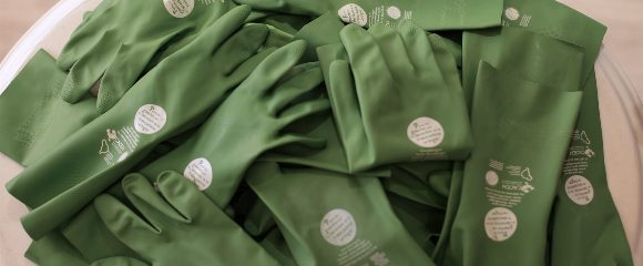 Rubber gloves for domestic workers